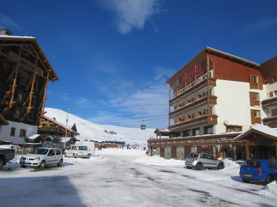 Hotel Beausoleil : Hotel and lifts