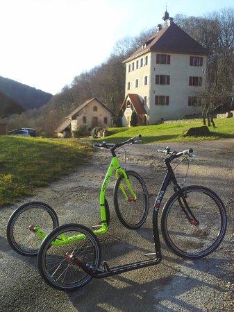 Le Morimont : Vista frontale con footbikes