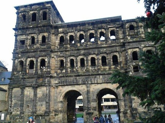 Secrets of the Porta Nigra: 2/1/2014