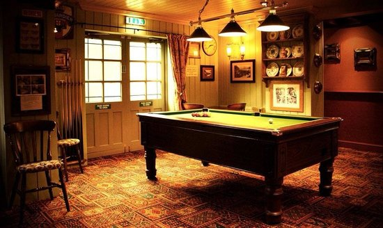 Gayton, UK: Pool table.