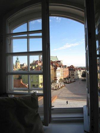 Dom Literatury: View onto Castle Square