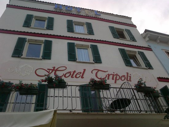 Tripoli Hotel: Facciata