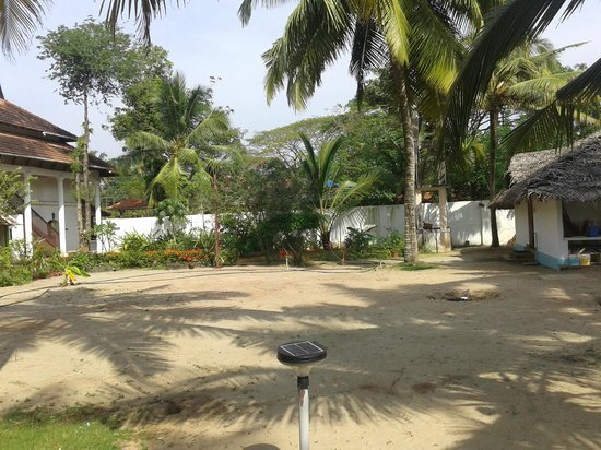 Alleppey Beach Resorts: very nice and peaceful
