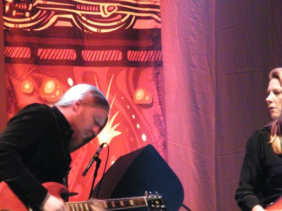 Bill Graham Civic Auditorium : Tedeschi-Trucks Band