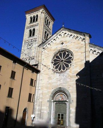 Basilica di San Fedele : Facciata esterna