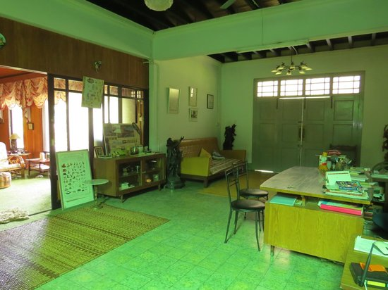 Fairview Guesthouse: Downstairs hall