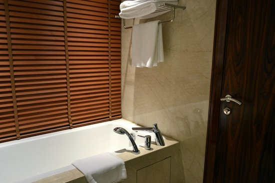 Crowne Plaza New Delhi Rohini: Bath