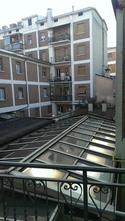Hotel ABC : veduta dalle finestre delle due camere