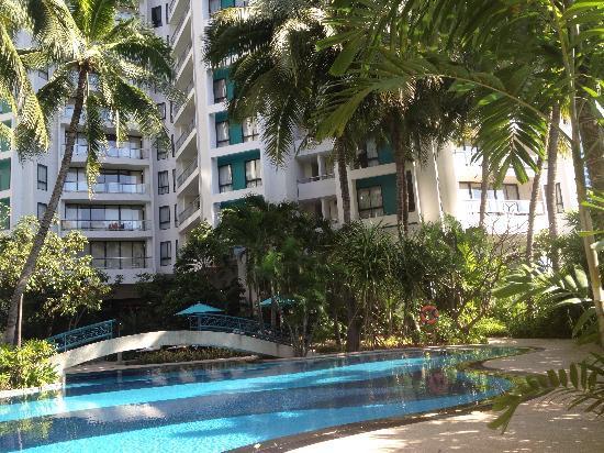 Chatrium Residence Sathon Bangkok : Pool area