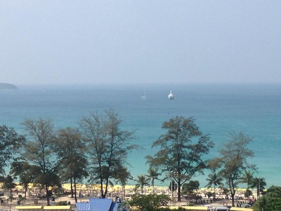 Andaman Beach Suites Hotel : View of Beach from room