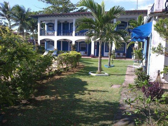 Hotel Porto do Eixo: jardim do hotel
