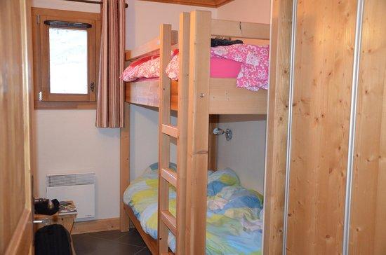Chambre avec lits superpos s photo de residence le for Chambre public affairs