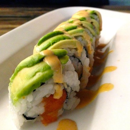 Machiya Modern Japanese: Spicy Salmon Roll