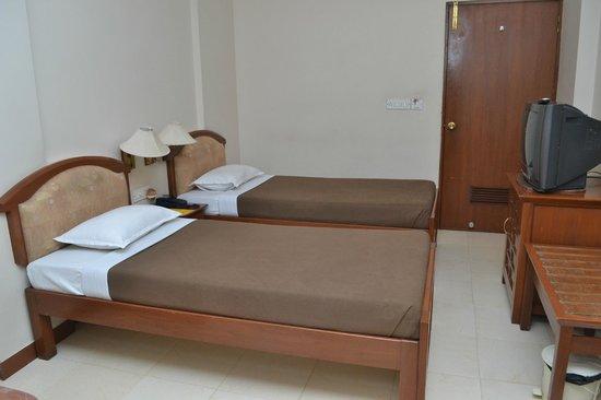 Baba Ramdev Restaurant: TWO BED ROOM