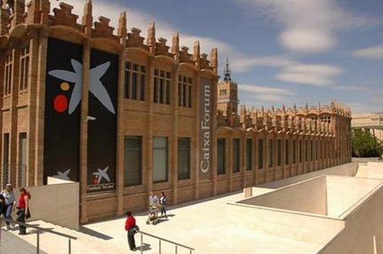 Restaurant caixaforum barcelona montjuic restaurant for Caixa d enginyers oficines barcelona