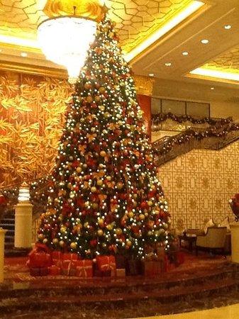 Shangri-La's China World Hotel: Новогодняя елка 2014 года