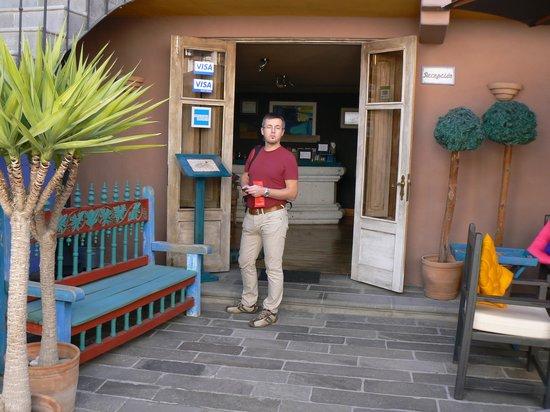Azul Colonial Inn: reception area