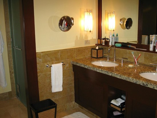 Four Seasons Resort Costa Rica at Peninsula Papagayo: Bathroom