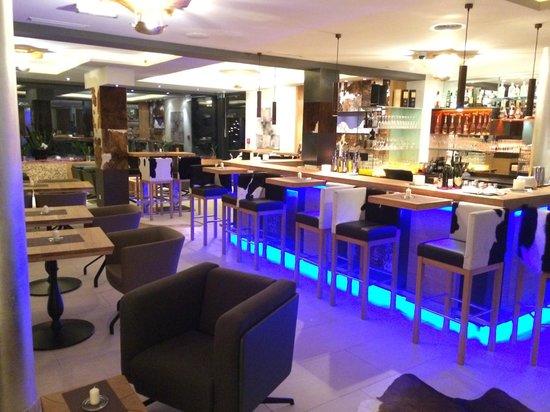 Hotel Fliana: Bar/Lounge