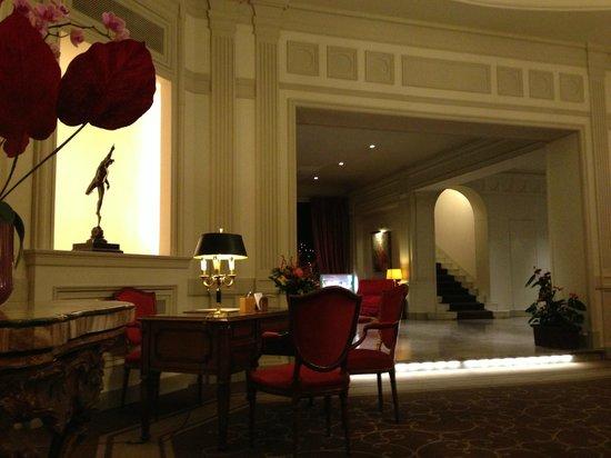 Sina Villa Medici : Ingresso albergo