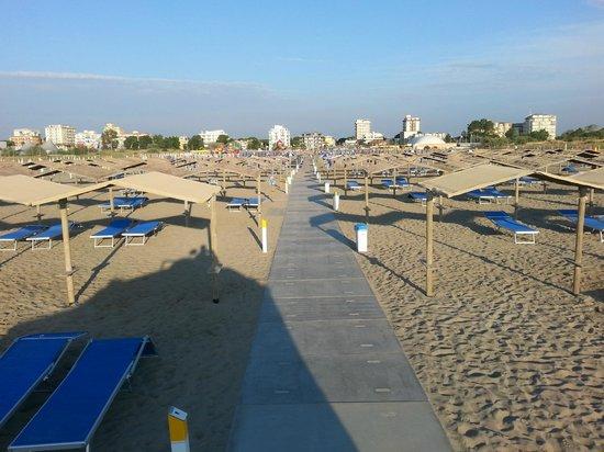 spiaggia - Picture of Bagno Sayonara, Lido degli Estensi - TripAdvisor