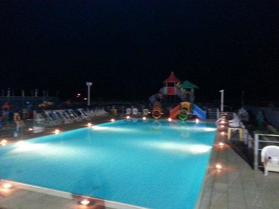 piscina - Picture of Bagno Sayonara, Lido degli Estensi - TripAdvisor