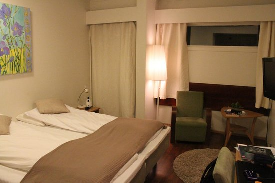 Sortland Hotell: Our bedroom