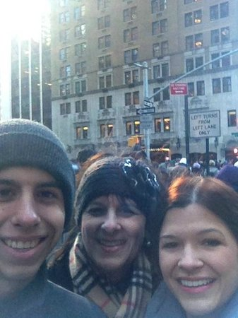 Show Me Tours: Macy's Thanksgiving Day Parade