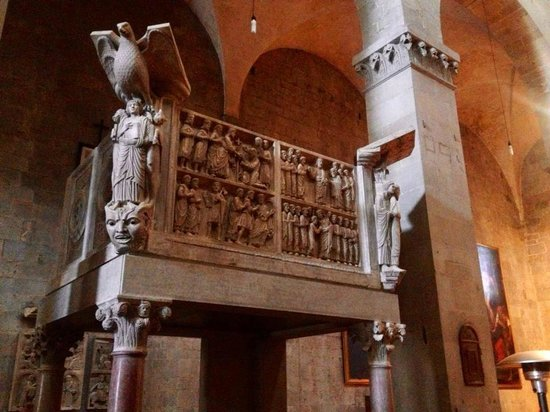 Sant'Andrea: Pulpito