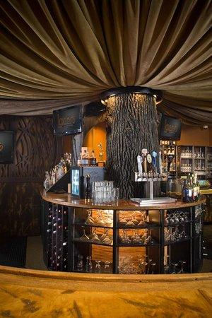 هيريتدج هوتل لانكستر: The bar at Loxley's Restaurant