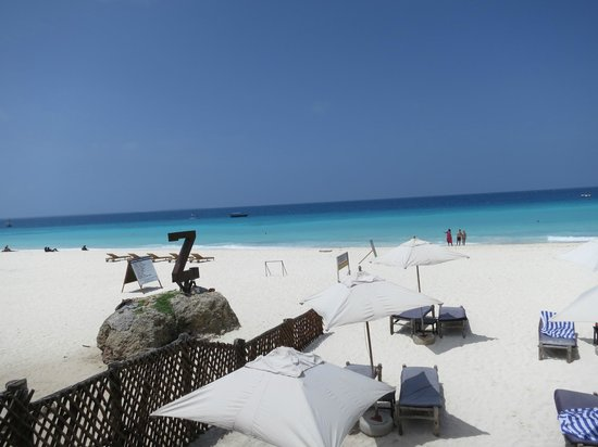 The Z Hotel Zanzibar: Beach outside the hotel