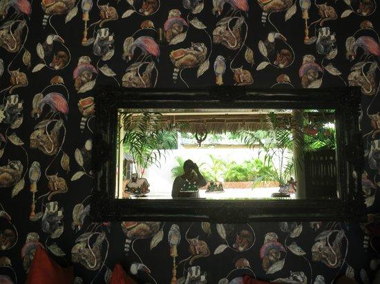The Z Hotel Zanzibar: Funky wallpaper