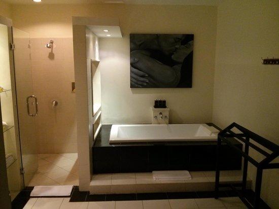 Bali Yubi Villa: Bathroom!