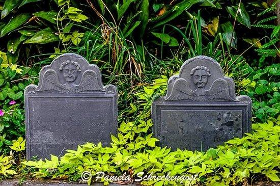Circular Congregational Church: Circular Congregrational Church Cemetery