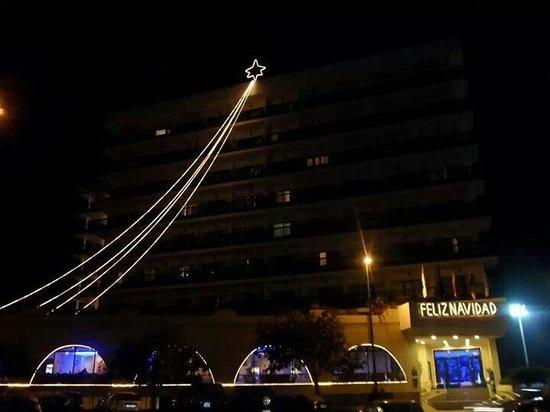Sol Puerto Playa Hotel: Outside christmas night