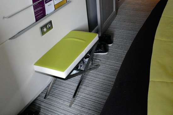 Mercure Nice Centre Grimaldi : The bed takes already all space in the room and why this chair?