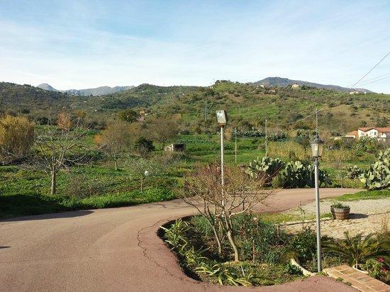 Agriturismo A Rametta: Strada di arrivo