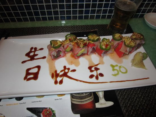 Dao Fusion Cuisine & Lounge: Sushi with birthday message