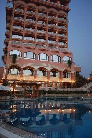 Sonesta St. George Hotel Luxor: The exterior
