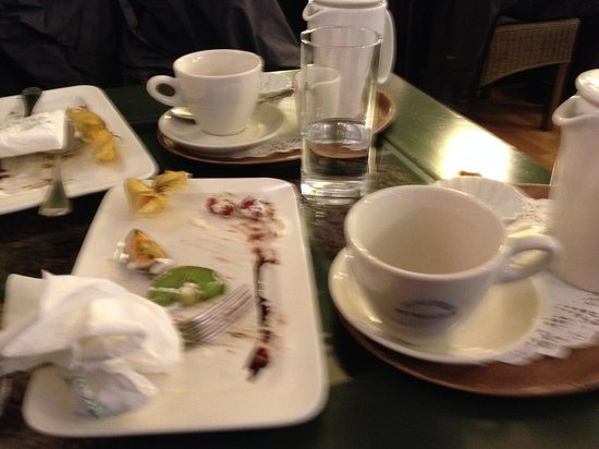 Tea-room De Proeverie : Pardon the shaking shot - it was taken after eating all that sugar and chocolate!