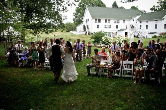 Friendly Crossways Retreat Center: Summer Outdoor Wedding