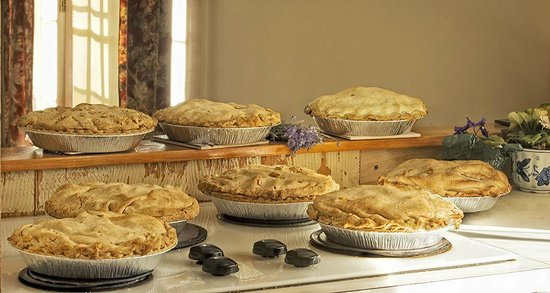 Friendly Crossways Retreat Center: Homemade Pies using locally sourced organic fruit