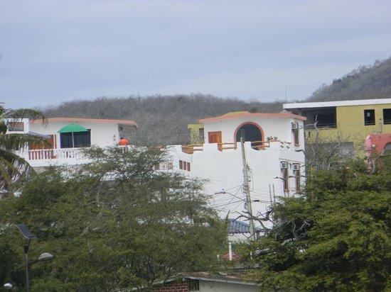 Casa de Nelly: Vista de la Hosteria de nelly desde el muelle