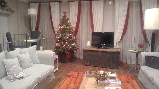 Locanda in Borgo 1775 : Stanza lettura e tv