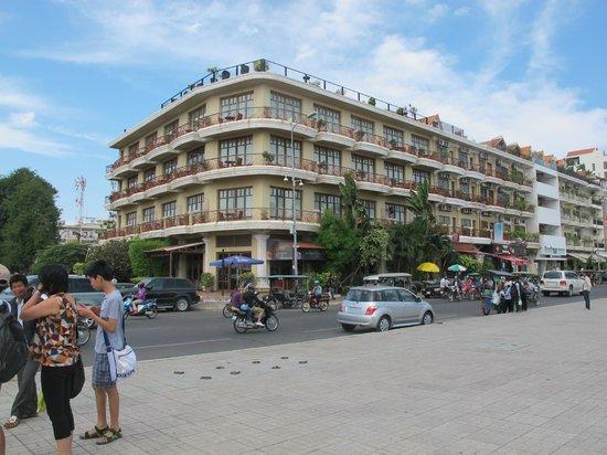 AMANJAYA Pancam Suites Hotel: Hotel