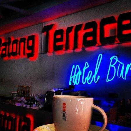 Patong Terrace Boutique Hotel: Hotel Bar