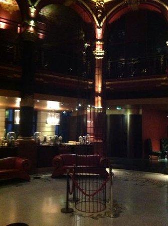 Hotel Banke: hall