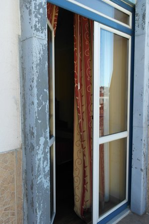 Grande Pensao Residencial Alcobia: На балконе