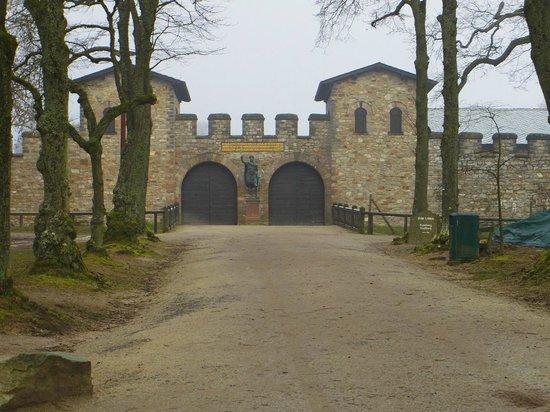 Saalburg Roman Castle and Archeology Park: Castle main entrance