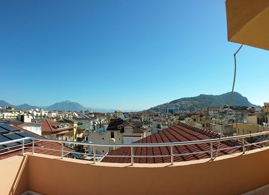 Twin Apart Hotel: панорамный вид с крыши